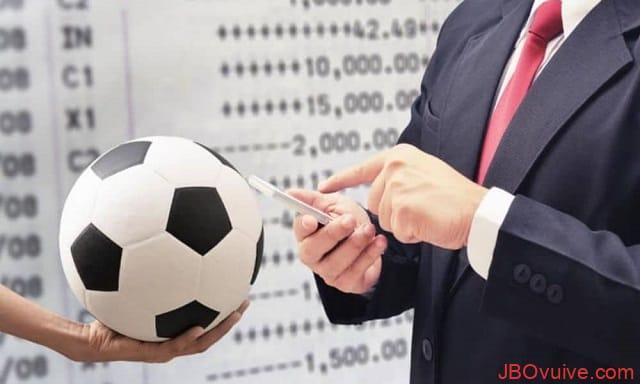 Tỷ lệ âm trong cá cược bóng đá JBO